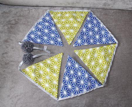 guirlande fanions verts anis bleus style origami japonais pompons gris