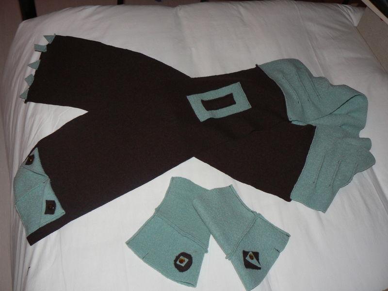écharpe et mitaines en laine bouillie
