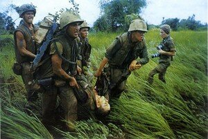 Larry_Burrows___Near_Dong_Ha___South_Vietnam___1966