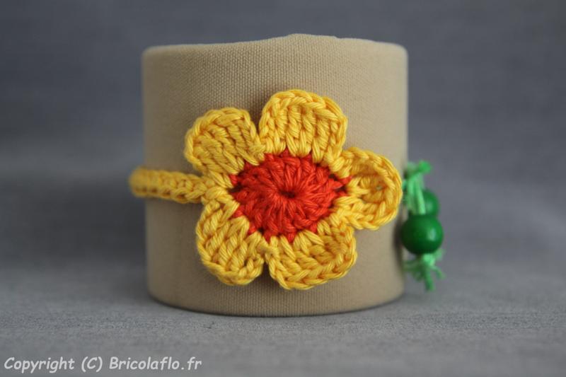 bracelet fleur jaune a