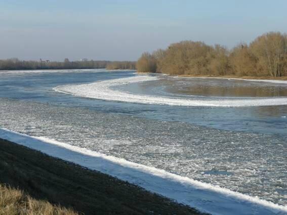 2 la loire gelée en 2012