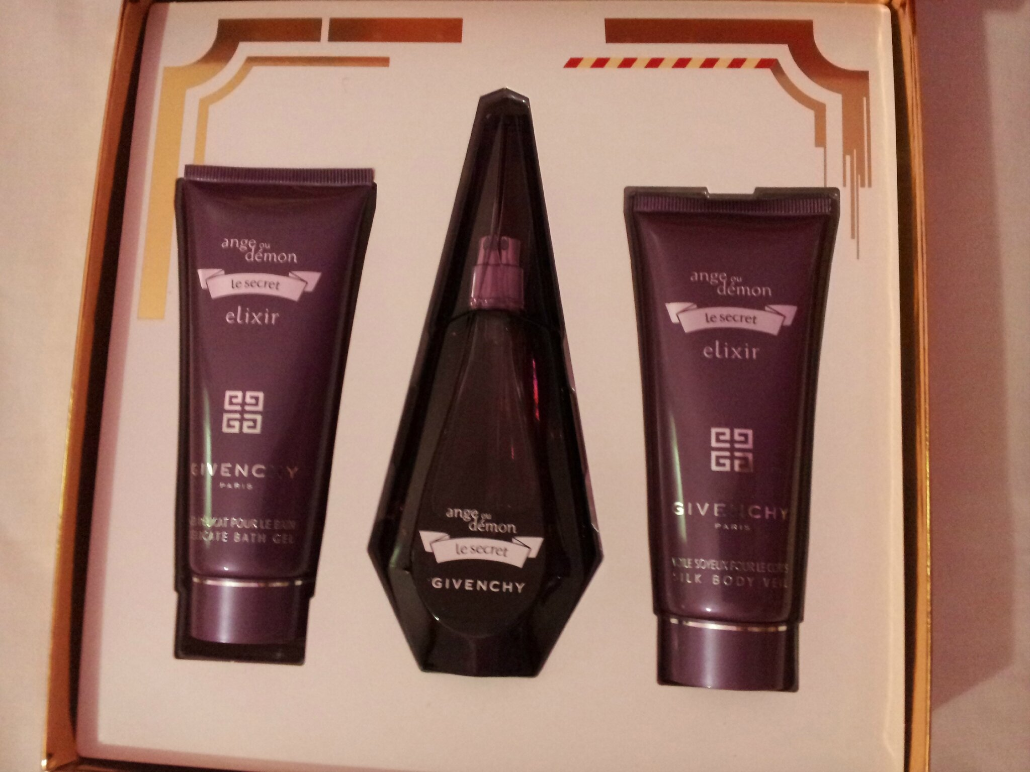 givenchy ange ou demon le secret elixir coffret eau de. Black Bedroom Furniture Sets. Home Design Ideas
