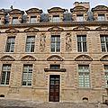 Paris comme vous l'aimerez avec la guide-conférencière lauréate des monuments historiques sylvie ferrer...