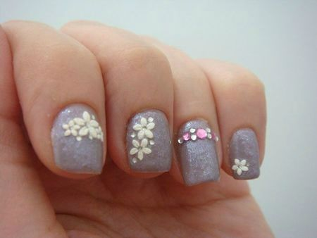 Nail art avec Grey de HetM, stickers, strass et paillettes