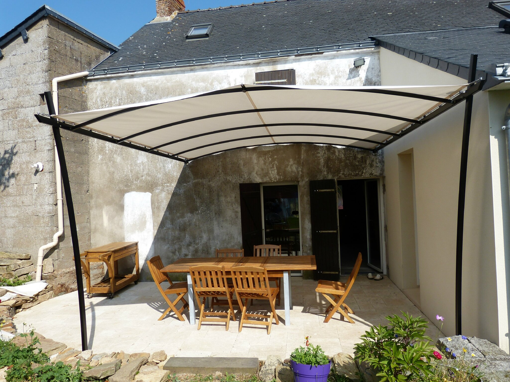 Les pergolas sur mesure la d co fa on artisan tapissier for Pergola bois sur mesure