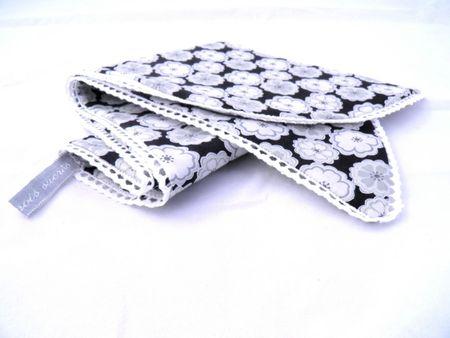 echarpe-petit-foulard-liberty-toria-noir-de-1767681-p9020044-aeb86_big