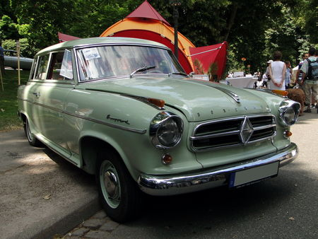 BORGWARD Isabella Combi 1961 Internationales Oldtimer Meeting de Baden-Baden 2010 1
