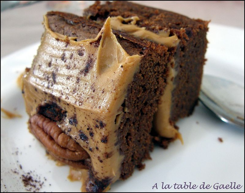 The tuerie brownies fourr s au beurre de cacahu tes a la table de gaelle - Gateau au beurre de cacahuete ...