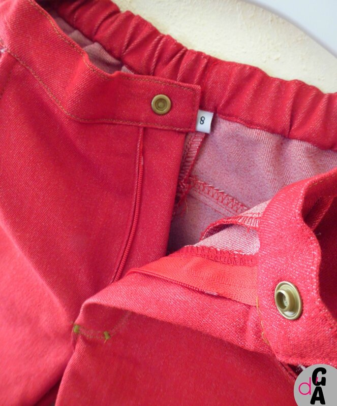 jean rouge detail zip