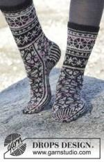 e3028ac0a0b98f20674d37757aeb6b24--moonflower-sock-knitting