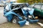 15621482-05-10-2012-moscou-parking-des-voitures-cassees