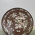 Belle boite ronde en palissandre et incrustations de nacre indochine vers 1900