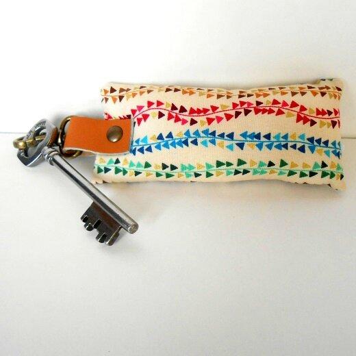 Porte clés lianes trianges