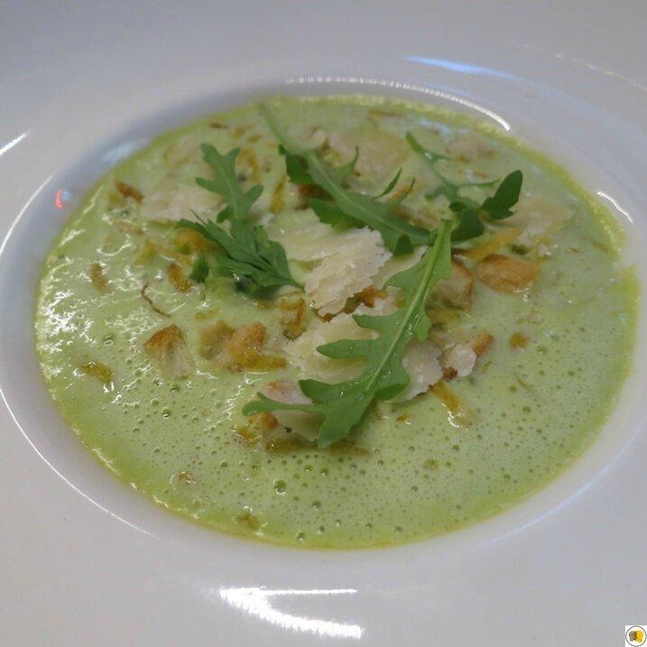 Royale de foie gras et crème de petits pois et fèves en chaud - froid (1)