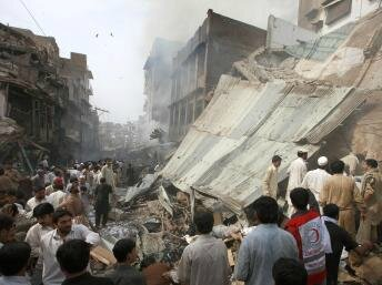 2009-10-28T102850Z_1841871616_GM1E5AS1FCG01_RTRMADP_3_PAKISTAN-VIOLENCE-ATTACKS_0