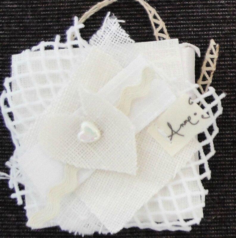 mini tableau tissu blanc