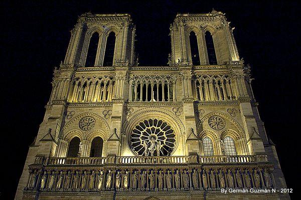 Notre Dame 850 041