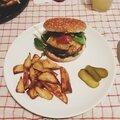 Burger : veau, chorizo & tomme de savoie