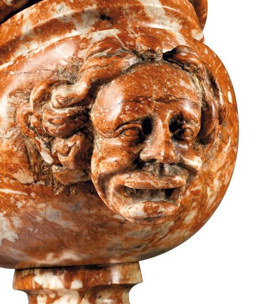paire-de-grands-vases-couverts-en-marbre-1370358022849121