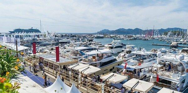 Yacht_VieuxPort