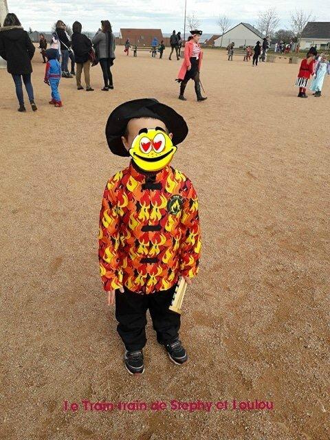 Loulou déguisé en pompier