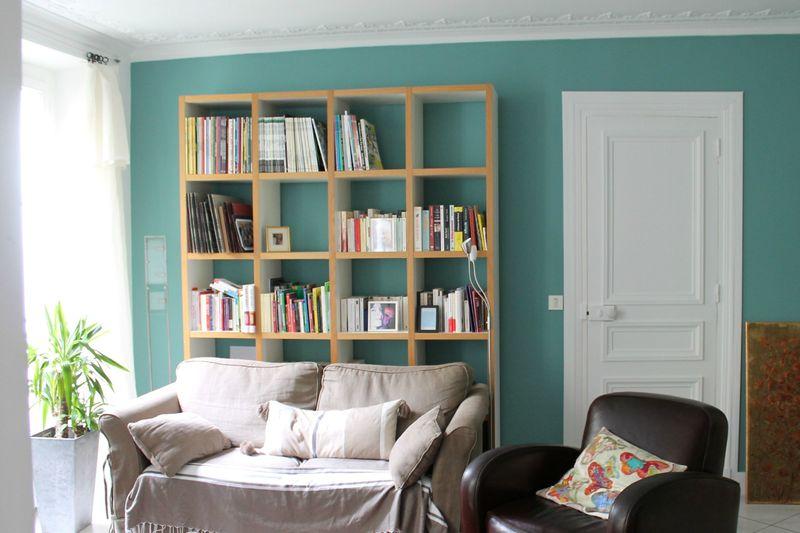 Du bleu canard dans mon salon le blog de happylette for Peinture bleu salon