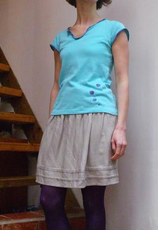 tee shirt bleu porté