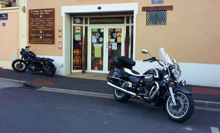 Harley Iron 883 et Guzzi 1400 California
