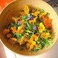 Une salade aux fleurs du jardin