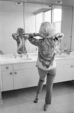 1962-06-30-tim_leimert_house-pucci_jacket-bathroom-by_barris-020-1