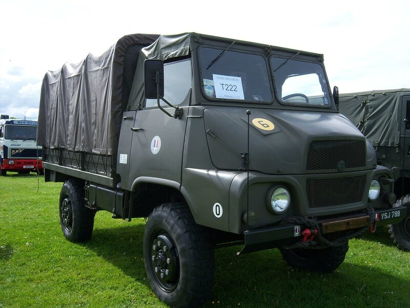 1959_SUMB_MH600BS_(YSJ_799)_military_cargo_truck,_2012_HCVS_Tyne-Tees_Run