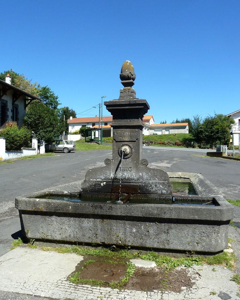 fontaine à Montcheneix