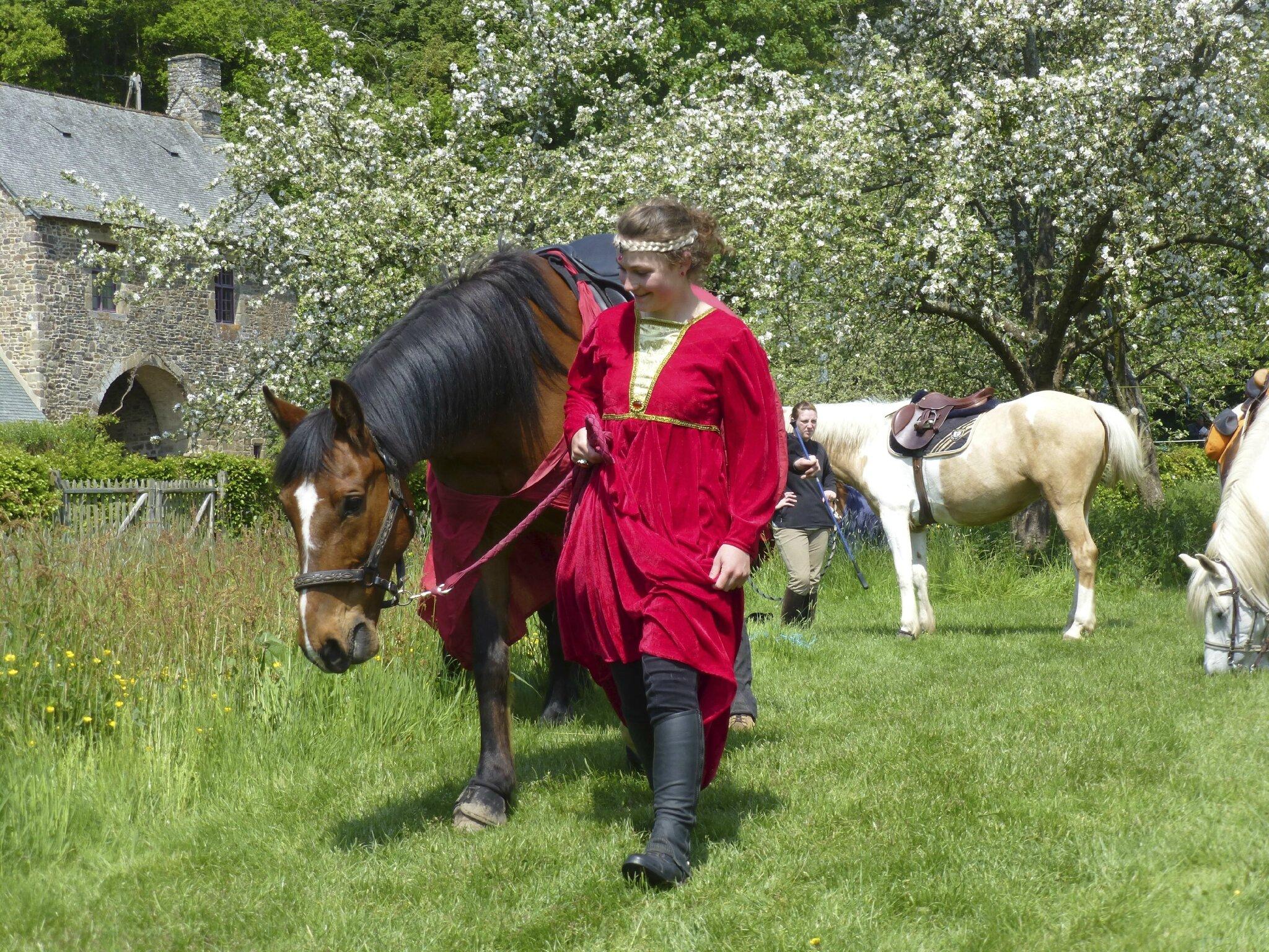 balade à cheval médiévale - Abbaye de Hambye (208)