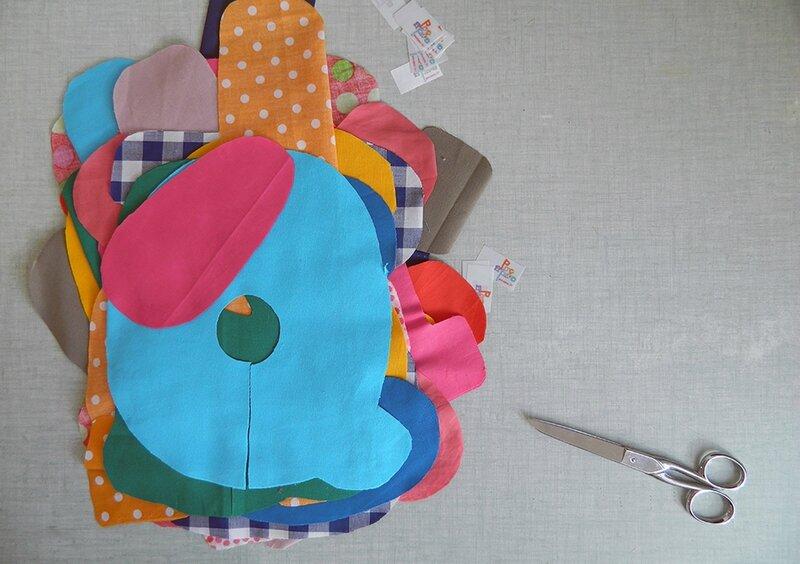 poc a poc, bureau,prenom en tissu,cadeau de naissance,prenom decoratif,cadeau persnnalise 1