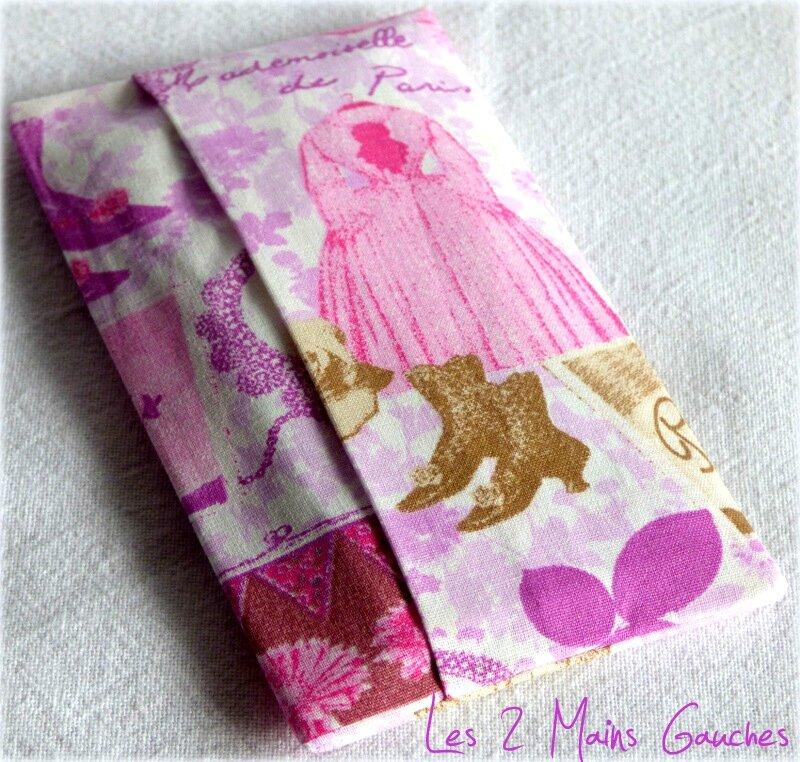 étui à mouchoirs rose Melle Paris