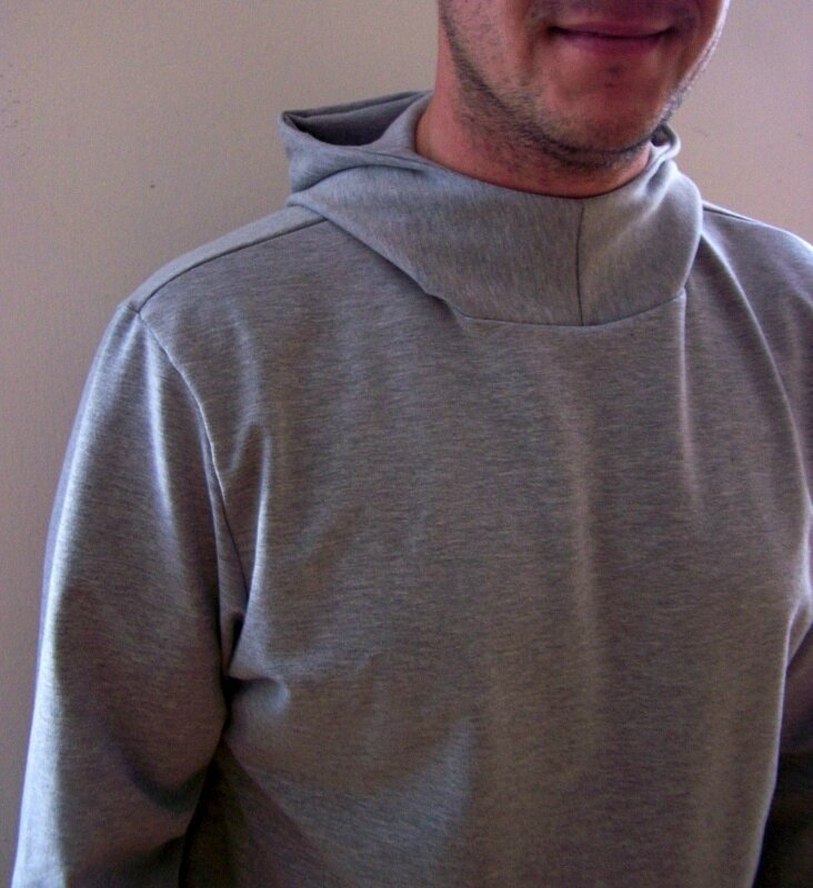 Sweat capuche gris (1)