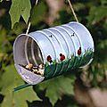 abri sympa pour nourriture oiseaux