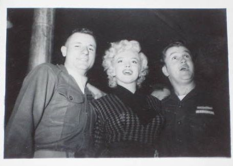 1954-02-16-5_after_perform_7th_infantery_division-3-1