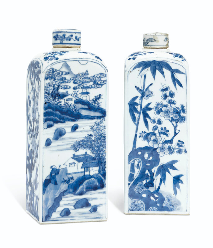 A pair of blue and white gin bottle and covers, Kangxi period (1662-1722)
