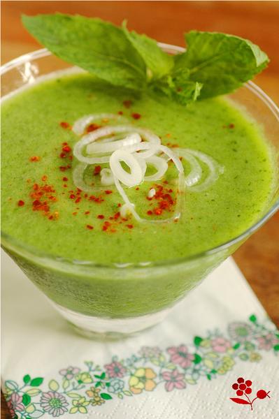 Soupe froide épicée concombre-ananas_2