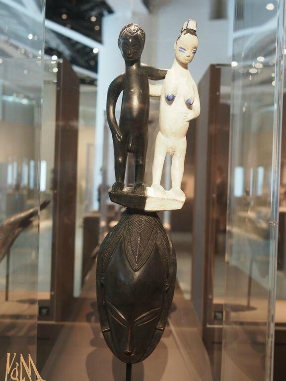 Maitre de Bouaflé - masque surmonté de deux figures - Gouro avant 1954