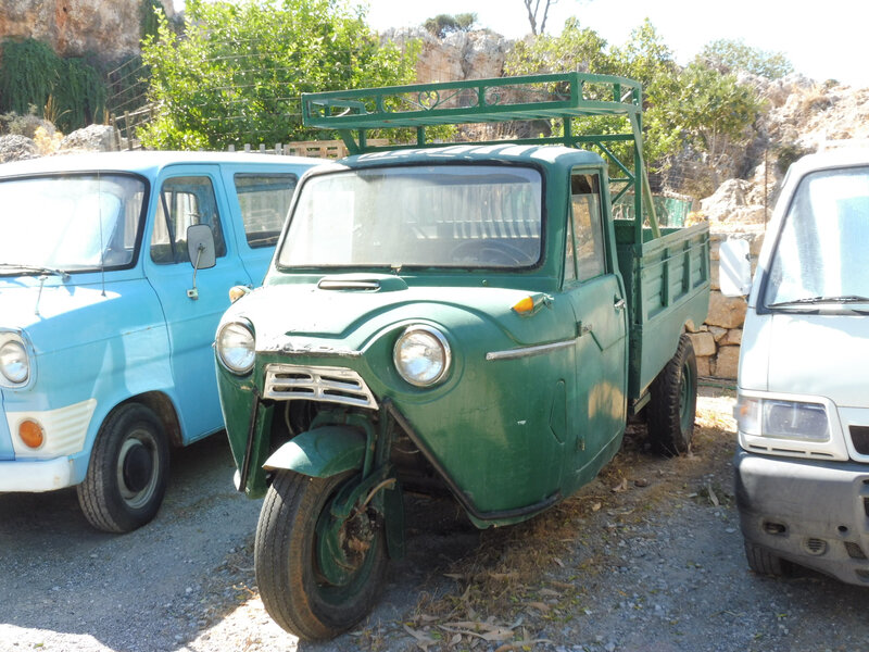 MAZDA T1500 3-wheel pick-up Lindos (1)