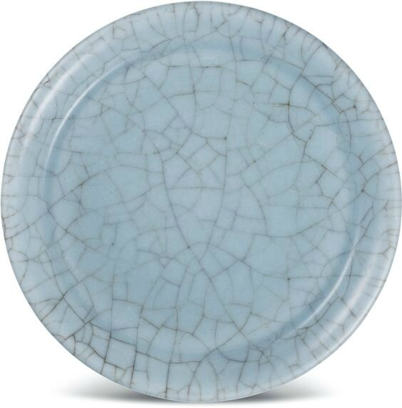 A celadon-glazed crackled dish, Late Ming–Early Qing dynasty