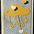 Carte de naissance unisexe avec nuage, petits coeurs et touche de broderie