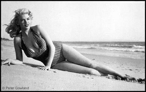 jayne_swimsuit_carreau-1956-by_peter_gowland-4