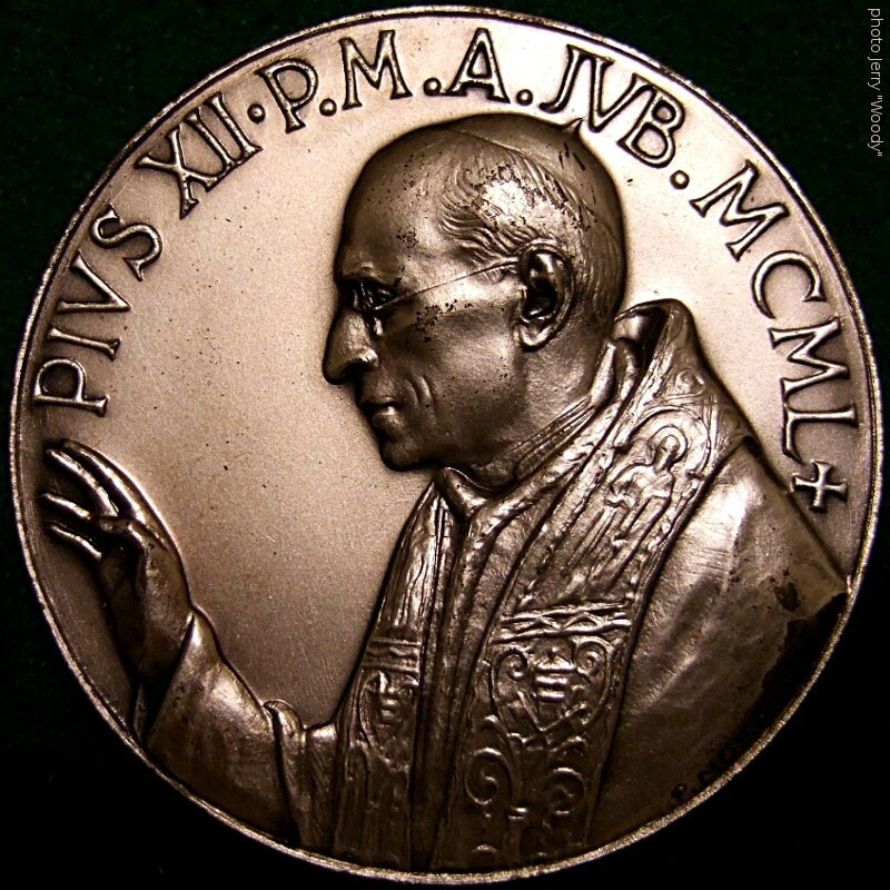 POPE_PIUS_XII_1950_MID_CENTURY_MEDALLION_a_-_Flickr_-_woody1778a