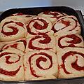 Brioches aux fraises fraîches, gaçage au citron 051