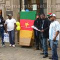 Belgique: un cercueil déposé par des activistes camerounais à l'ambassade du cameroun en belgique