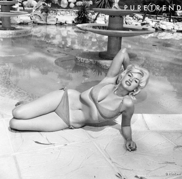 jayne_bikini-pool-01-1