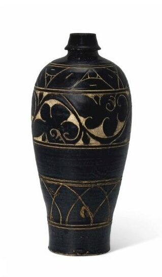 A carved Cizhou vase,meiping, Song dynasty (960-1279)